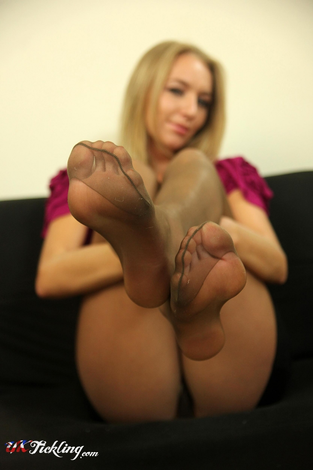 Hayley Marie Coppin pantyhose feet