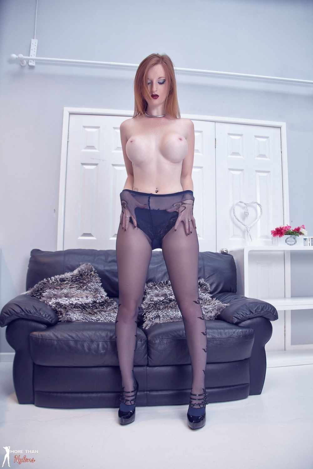Zara Du Rose in Designer Black Pantyhose