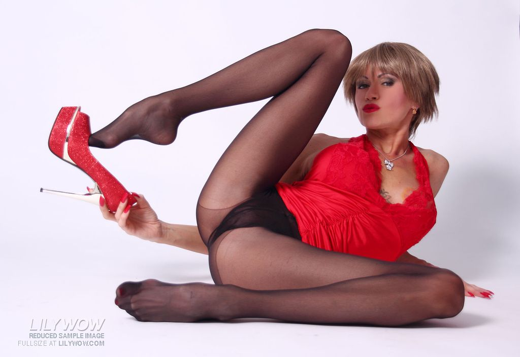 LilyWOW in Black Pantyhose
