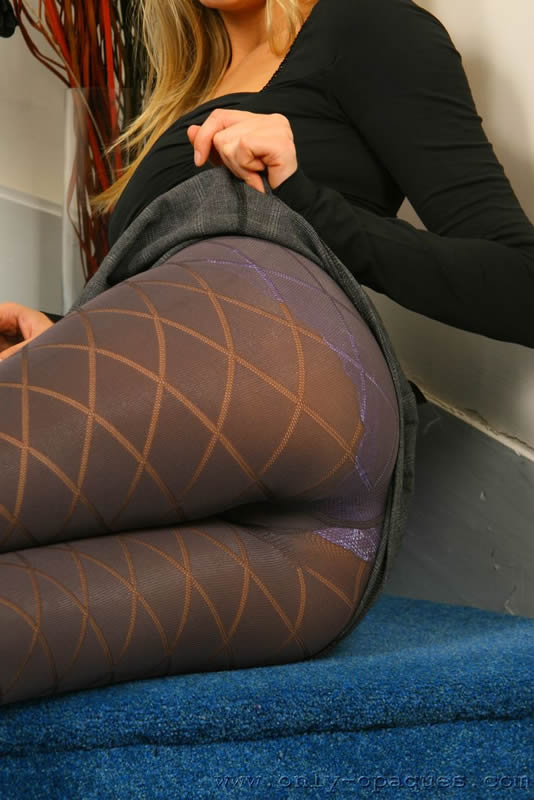 Sexy Blonde in knit pantyhose