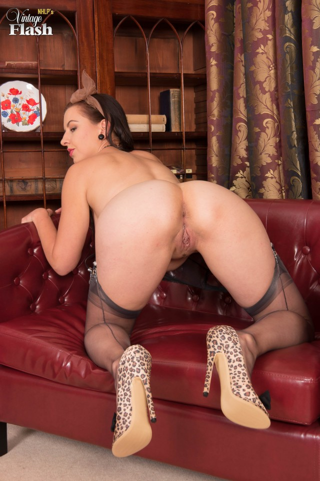 Tindra in Stockings