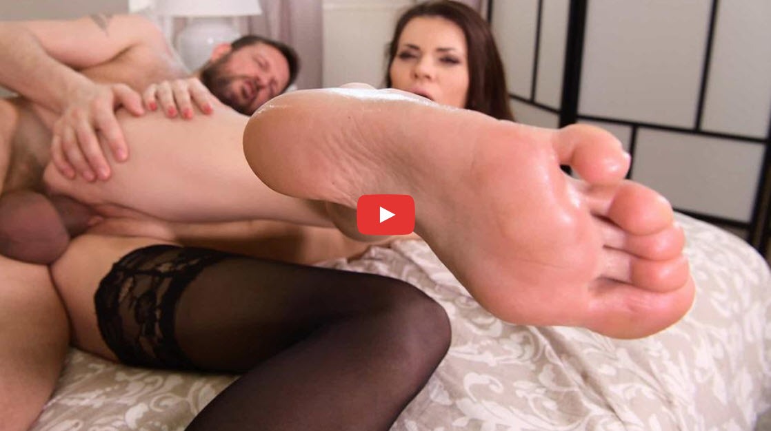 FOOT LICKING LOVERS