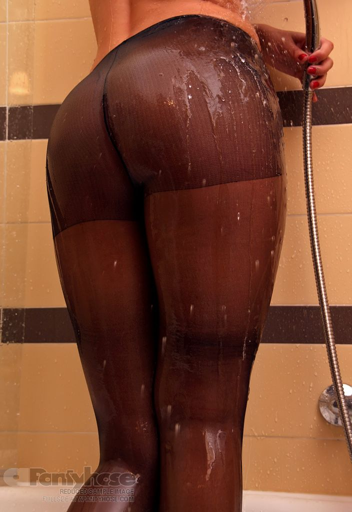 Black Pantyhose in the Shower