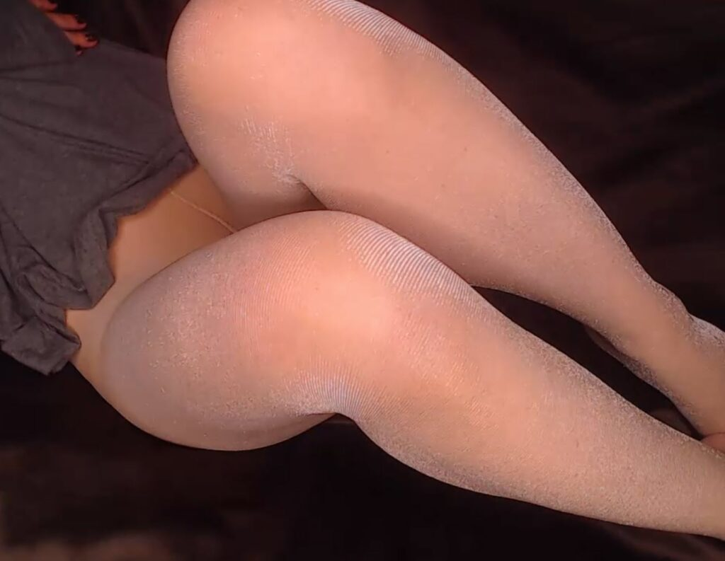 Your Naughty Angel Pantyhose Model on www.PantyhoseCam.net